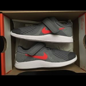 Nike Revolution Youth Toddler Size 10C Shoes